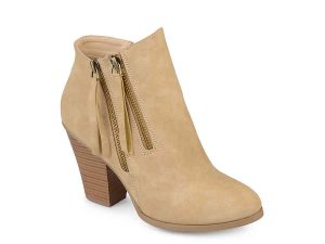 Fall Booties Under $50 #Fall #fallbooties #fallboots #boots #fallcolors #fashion #fashionideas #falloutfits #booties #KAinspired